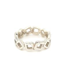 Zilveren ring vierkantjes 19 - 20,75 x 7 mm