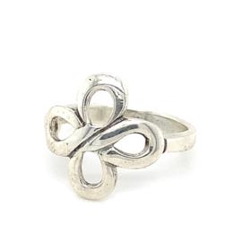 Zilveren ring vrije vorm knoop bloem 16 - 19,25 x 17 mm
