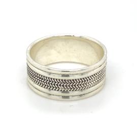 Zilveren ring geoxideerd mt 17 en 18,5 x 8,5 mm