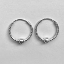 Zilveren creolen geslepen met bol 20,5 mm