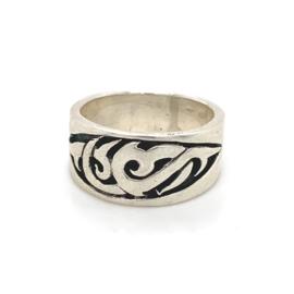 Zilveren ring tribal geoxideerd mt 18,25 x 10 mm