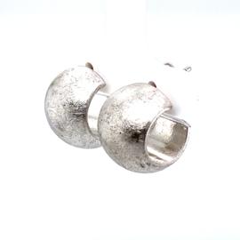 Zilveren stekeroorringen breed 12,5 mm