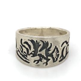 Zilveren ring adelaar geoxideerd mt 19,5 - 21,5 x 14 mm