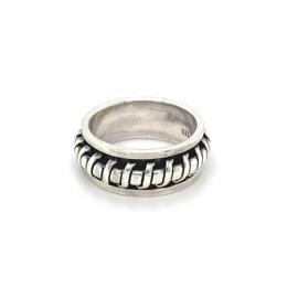 Zilveren ring geoxideerd draaibaar mt 18 - 20,5 x 8,5 mm