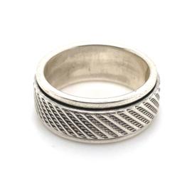 Zilveren ring geoxideerd draaibaar mt 17 x 8 mm