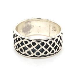 Zilveren ring geoxideerd mt 17 x 9 mm