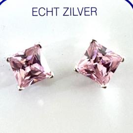 Zilveren oorknoppen zirkonia roze vierkant 6 mm