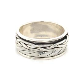 Zilveren ring geoxideerd draaibaar bewerkt mt 18,5 x 9 mm