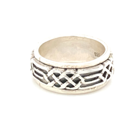 Zilveren ring geoxideerd bewerkt draaibaar mt 16,75 x 8 mm