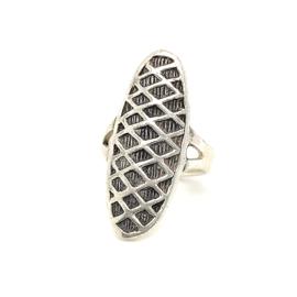 Zilveren ring vrije vorm geoxideerd 17 x 32 mm