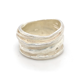 Zilveren ring Italiaans design mt 16,75, 23,5 en 23,75