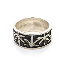 Zilveren ring wietblad mt 19,5 en 23 x 10 mm