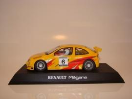 Scalextrix Renault