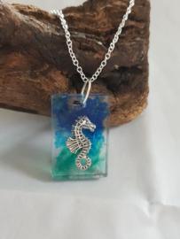 Ketting Zeepaardje Groen/Blauw (zilver)