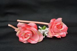 Roze bloemendiadeem