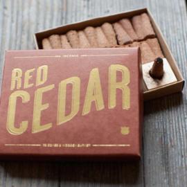 Wierook kegels met houder – Red Cedar | Izola NYC