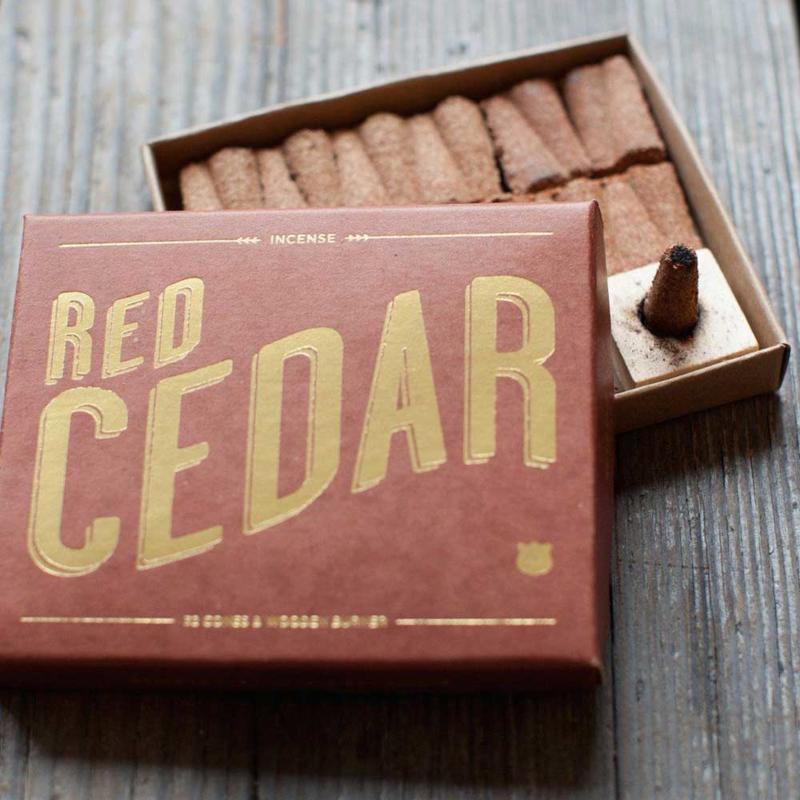 Wierook kegels met houder – Red Cedar   Izola NYC