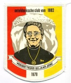 Moeder Truus 80 jaar jong (Jaarembleem 1979)