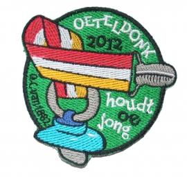 KLEIN Oeteldonk Houdt oe jong (Jaarembleem 2012)