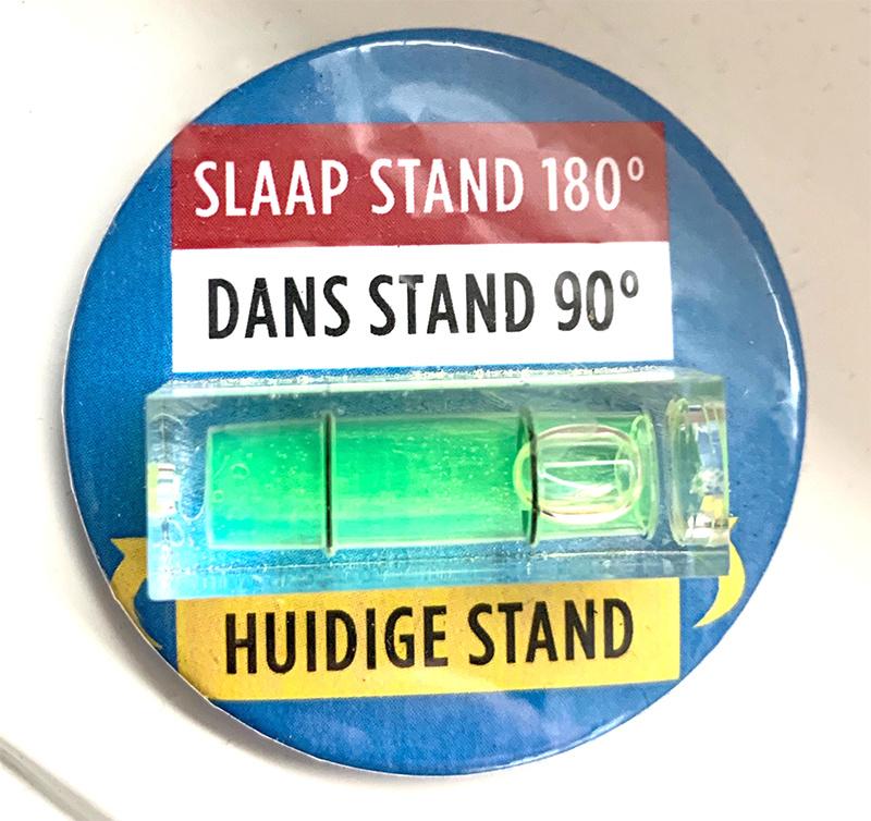 Dansstand of Slaapstand? - Button met waterpas (4,5cm)