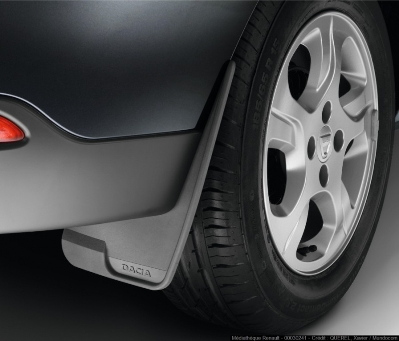 Universele spatlappen met Dacia-logo.