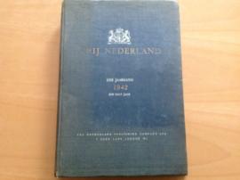 Ingebonden weekbladen Vrij Nederland van 31 januari 1942 t/m 25 juli 1942
