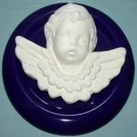 Engel met onderlegger