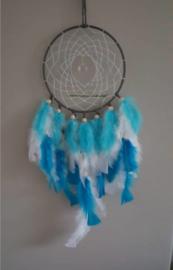 Hand-made Dromenvanger Aqua blauw met Regenboogkristal 22cm