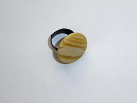 Ring zandkleurig