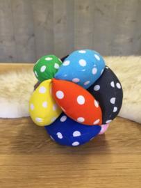 Stoffen bal met grote stippen
