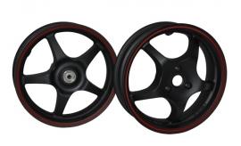 Yamaha Aerox wielen mat zwart met rode bies Dmp