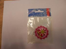 Applicatie roze bloem met ruitje