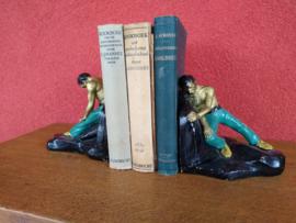 Set boekensteunen, aardewerk