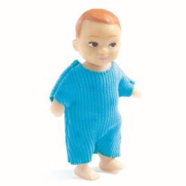 Djeco Poppenhuispop, Baby Sacha met houten wiegje