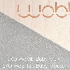 Wobbel original blank gelakt - vilt baby muis (middengrijs)