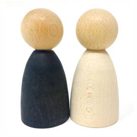 Grapat 2 houten Volwassen Nins poppetjes
