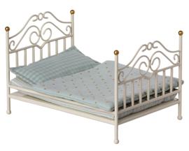 Maileg metalen tweepersoons bed, Vintage Bed Micro, Gebroken Wit