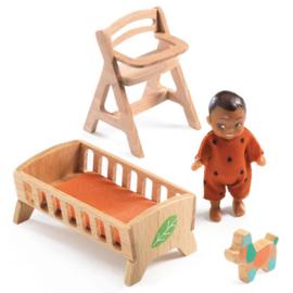 Djeco Poppenhuispop, Baby Sweetie met houten meubeltjes
