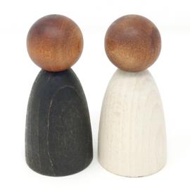 Grapat 2 houten Volwassen Nins poppetjes, donker