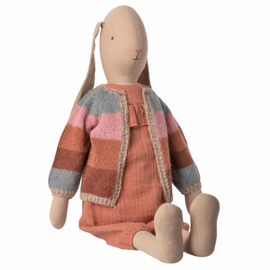 Maileg Bunny Size 5, Suit and knitted cardigan, 66 cm