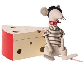 Maileg Rat in Kaasdoos, Rat in Cheesebox, Light Grey