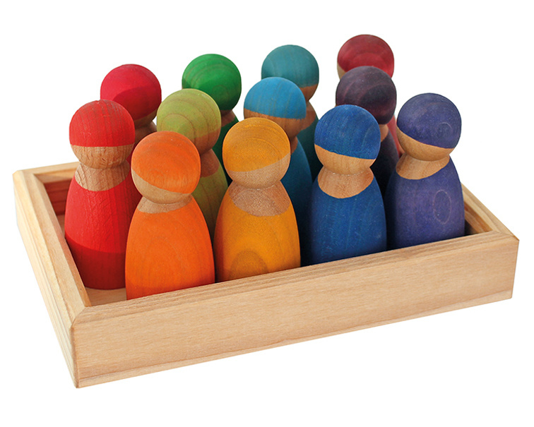 Grimm's 12 houten Regenboogvriendjes in een bakje, Kersenhout