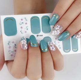 nail art stickers groen met paarse witte bloem