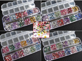 Strass steentjes in Nail Art box +2 nagellijm
