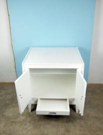 vintage wit kastje