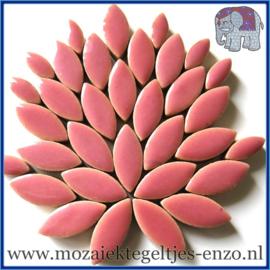 Keramische mozaiek steentjes - Petals Bloemblaadjes Normaal - 14 en 21 mm - Enkele Kleuren - per 50 gram - Dusty Rose