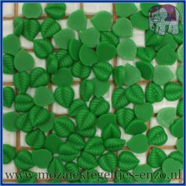 Cabochon hars plaksteen - Platte onderkant - Unlimited edition - per 1 stuk - Blaadje donker groen (2)