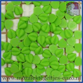 Cabochon hars plaksteen - Platte onderkant - Unlimited edition - per 1 stuk - Blaadje licht groen (1)