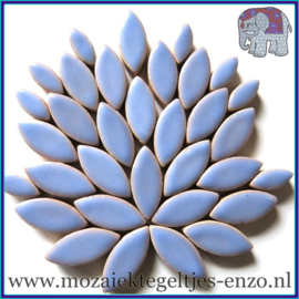 Keramische mozaiek steentjes - Petals Bloemblaadjes Normaal - 14 en 21 mm - Enkele Kleuren - per 50 gram - Cornflower