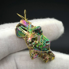 Prachtige Bismuth hanger, Wire Wrapped in 14kt Gold Filled wire
